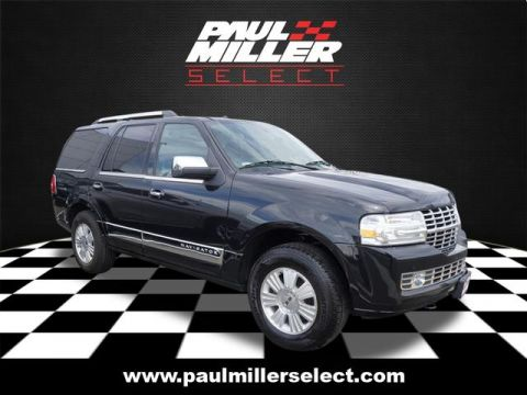 Pre-Owned 2014 Lincoln Navigator Base 4WD